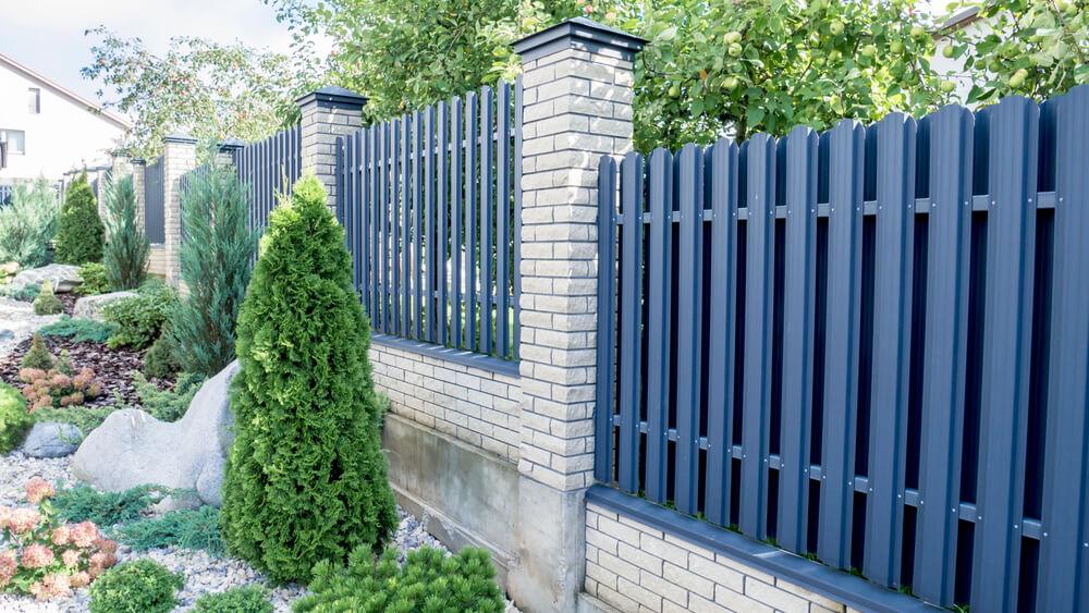 Moderné ploty okolo domu na kľúč Bratislava iPloty