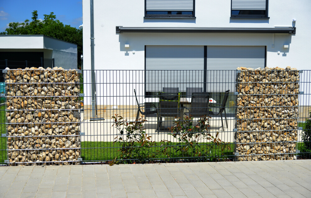 Sypaný gaionový plot na kľúč Bratislava iPloty